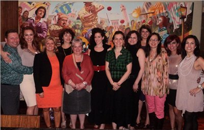 Lead by Carmen Correia, a few women (executives, general managers, award-winning artists, etc) met for a special networking dinner celebration.